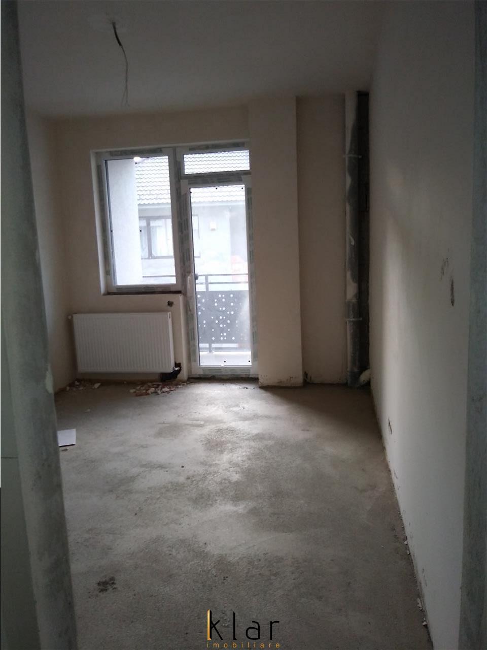 De vanzare apartament 3 camere, in Floresti