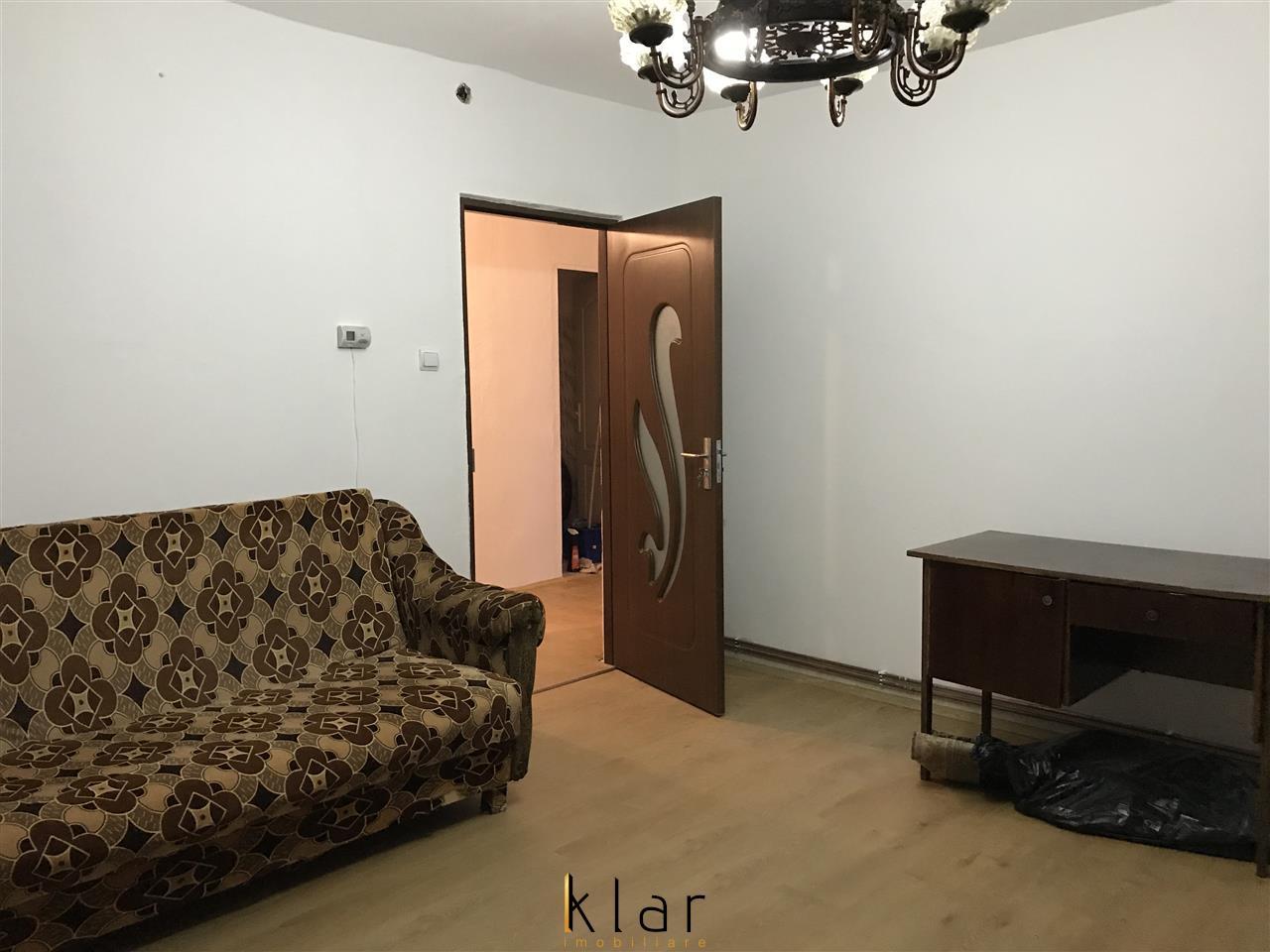Vanzare apartamen trei camere zona Cinema