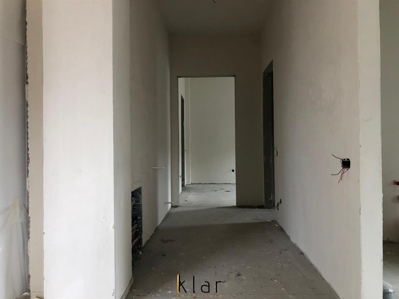 Apartament de vanzare 3 camere zona Vivo !