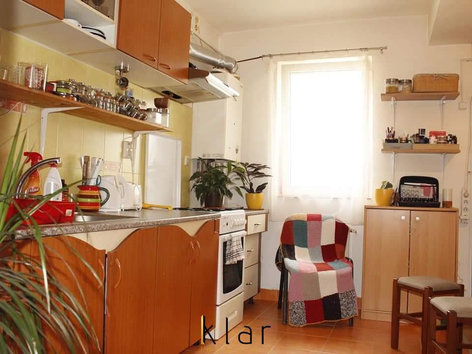Apartament 2 camere, DECOMANDAT, loc de parcare!