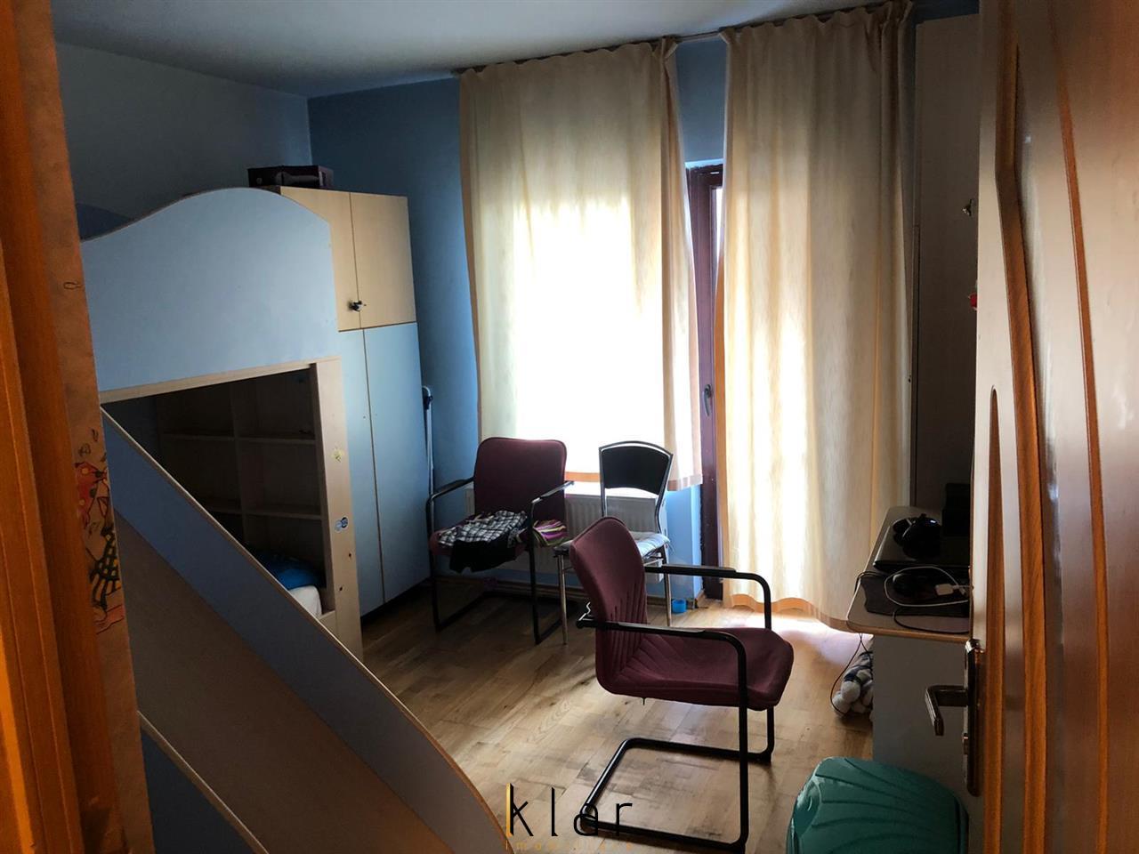 Oportunitate!!! Apartament de vanzare 3 camere Sesul de sus!