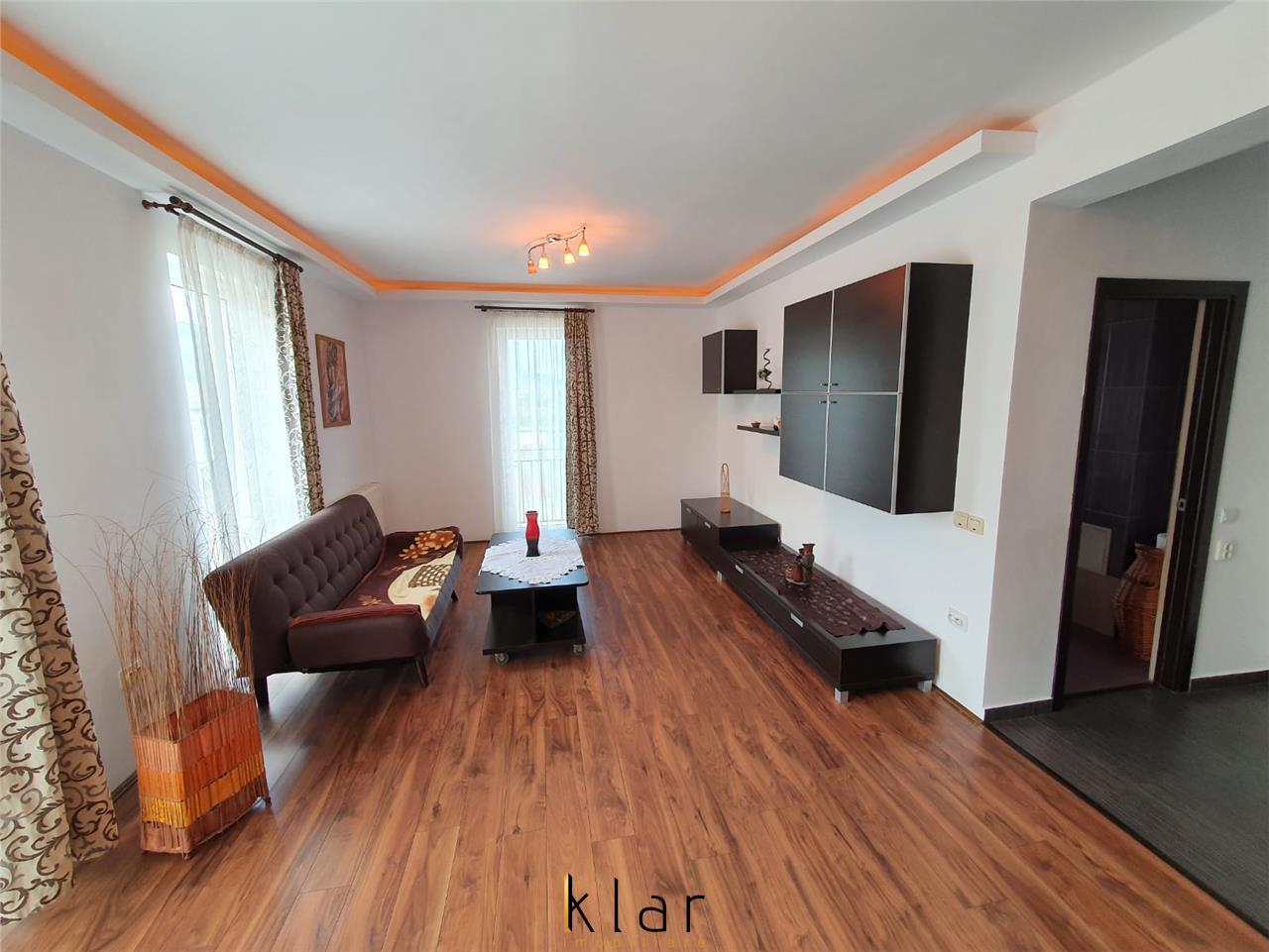 Apartament de vanzare 2 camere+o terasa de 14 mp,zona Porii!