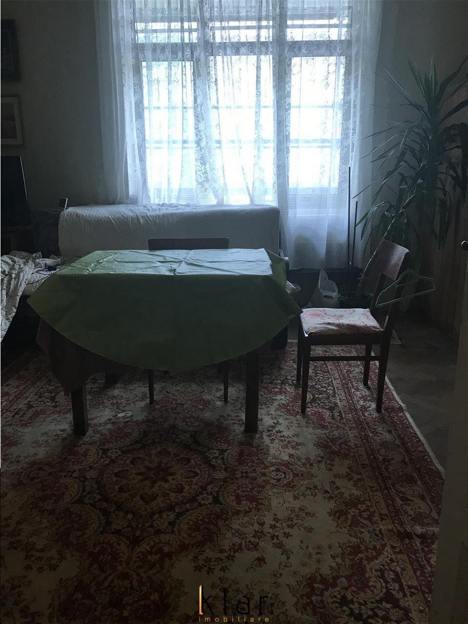 Apartament 3 camere cladire istorica zona  Piata Unirii