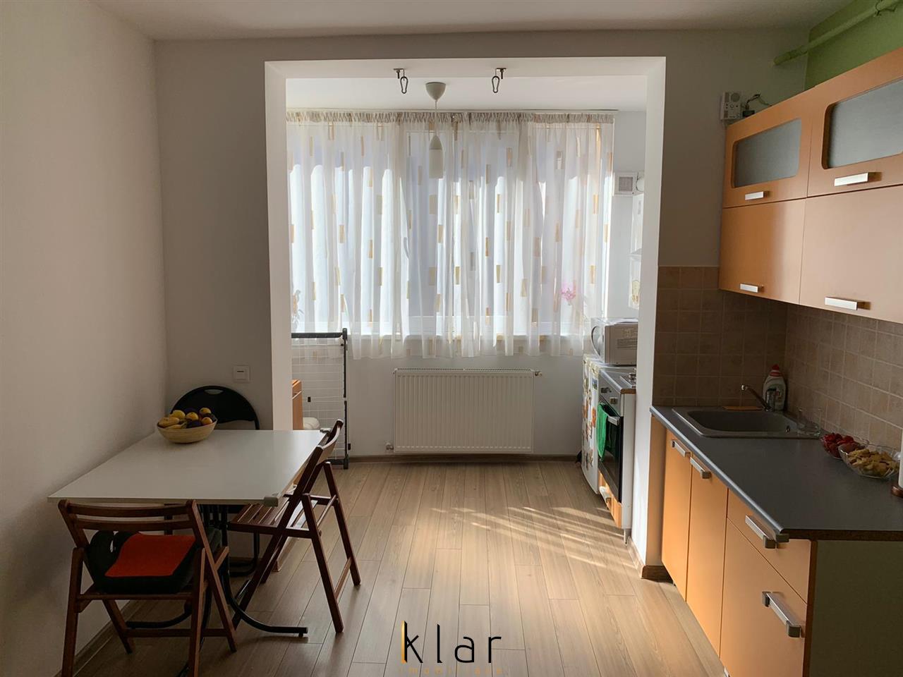Apartament 2 camere, mobilat si utilat, loc de parcare, zona Florilor