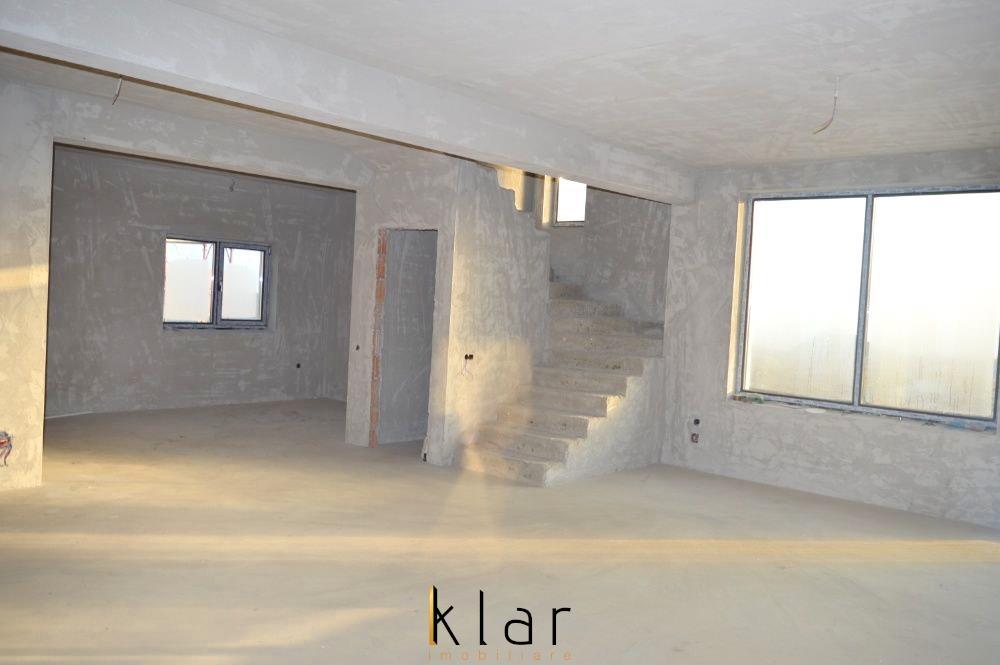 Casa individuala de vanzare in zona de case noi in Dezmir