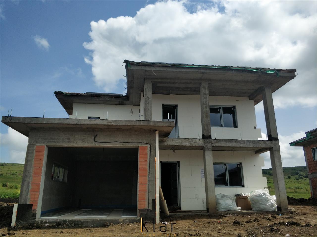 Casa individuala cu garaj si terasa