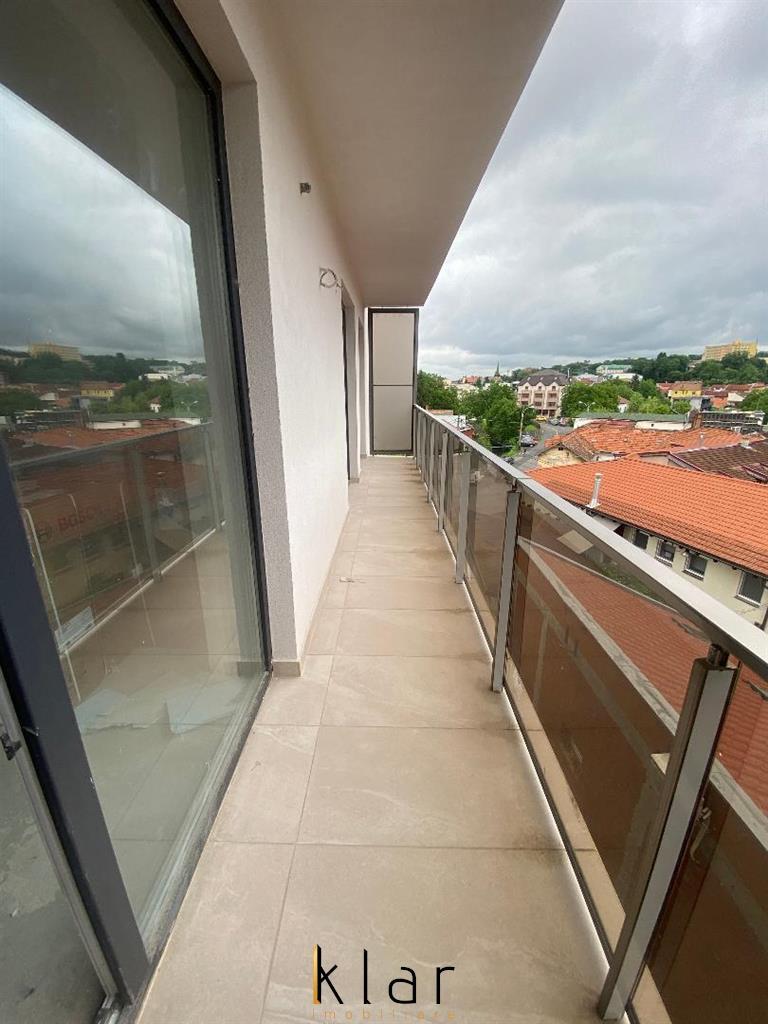 Apartament trei camere bloc nou zona Salii Polivalente