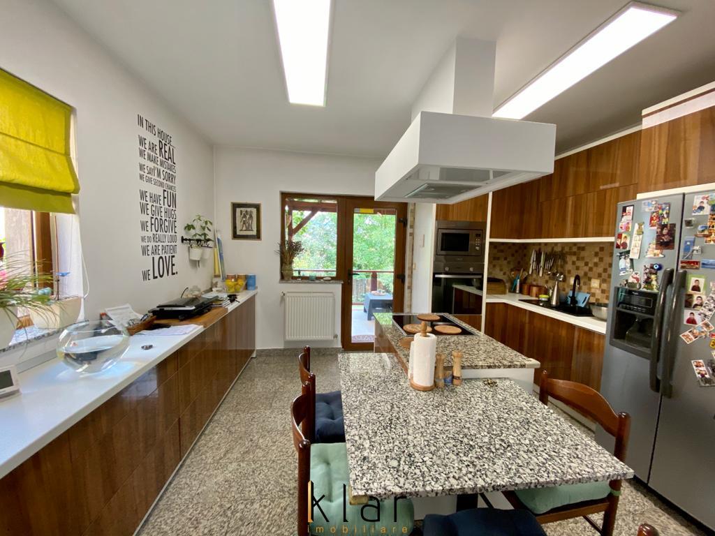 Casa Cocheta 3 Camere In Gruia
