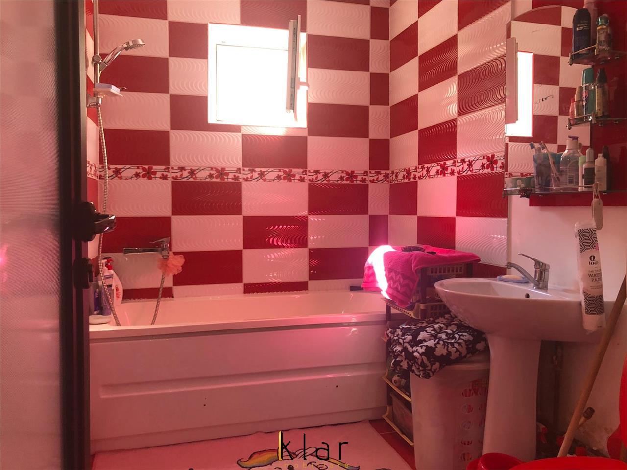 Apartament de vanzare 3 camere zona Eroilor!