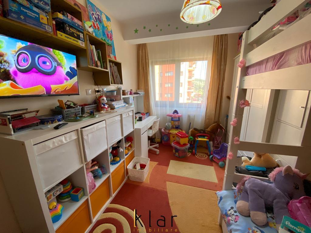 Apartament cu 3 camere complet mobilat si utilat, Str. Stejarului