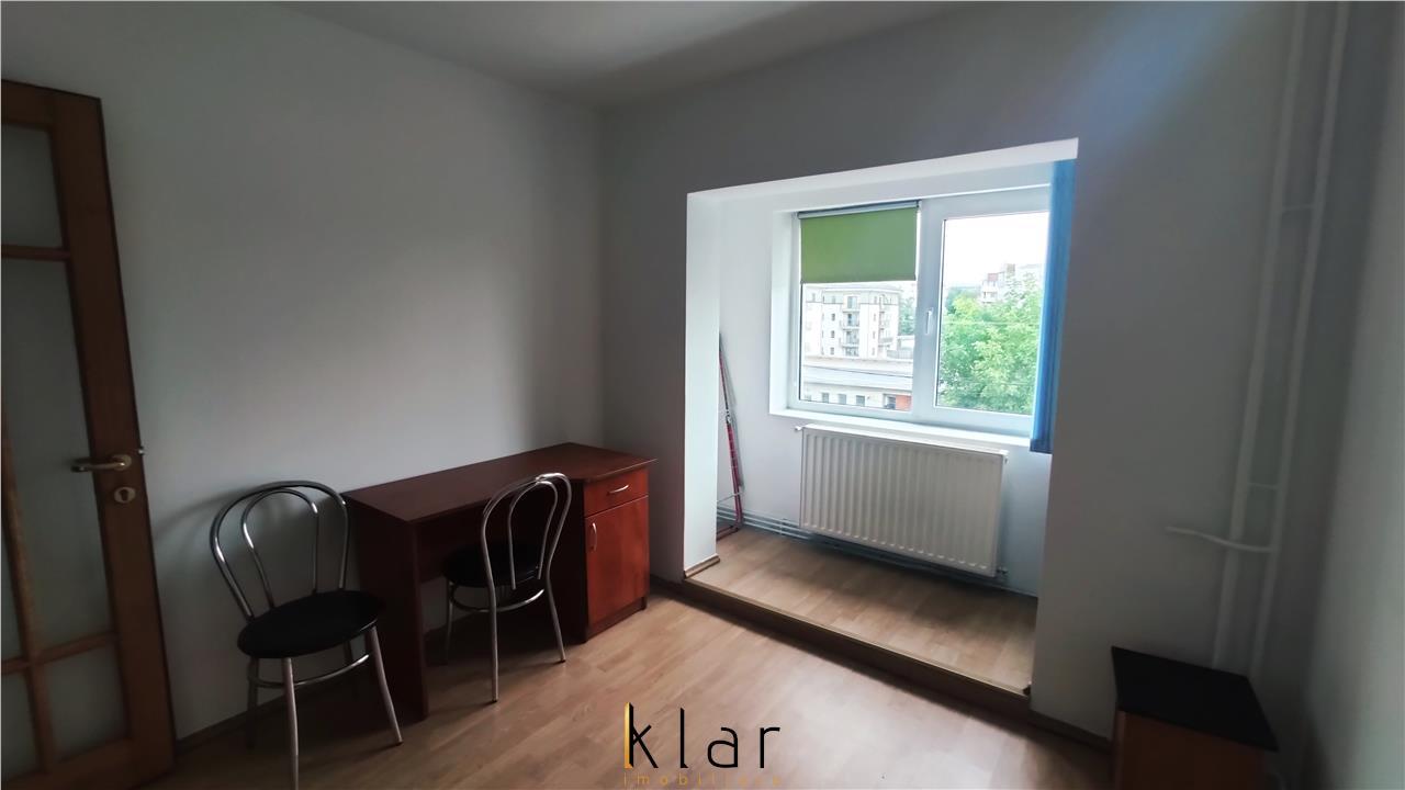 Inchiriere Apartament 4 camere zona Intre lacuri !!
