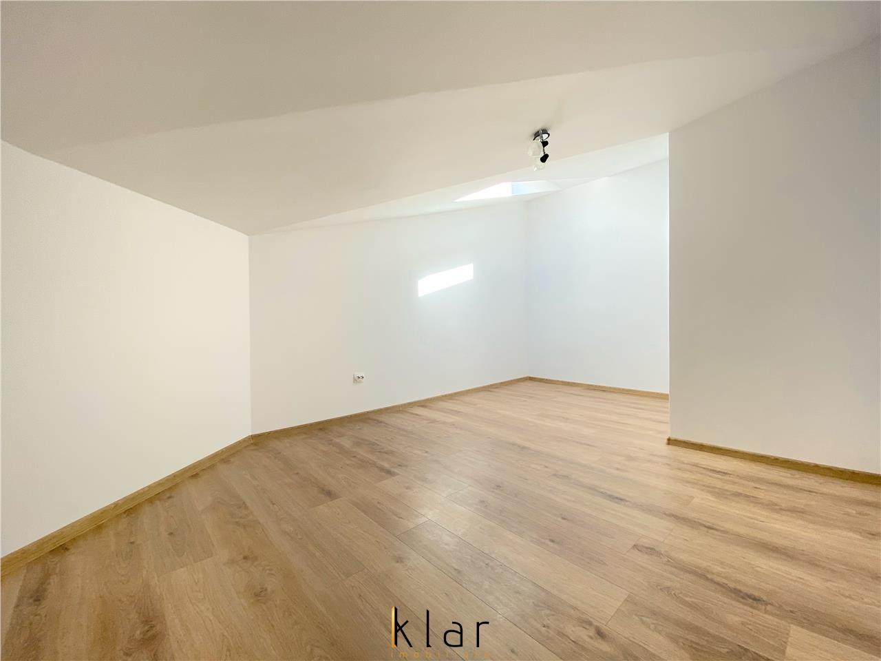 Se vinde apartament 3 camere semicentral