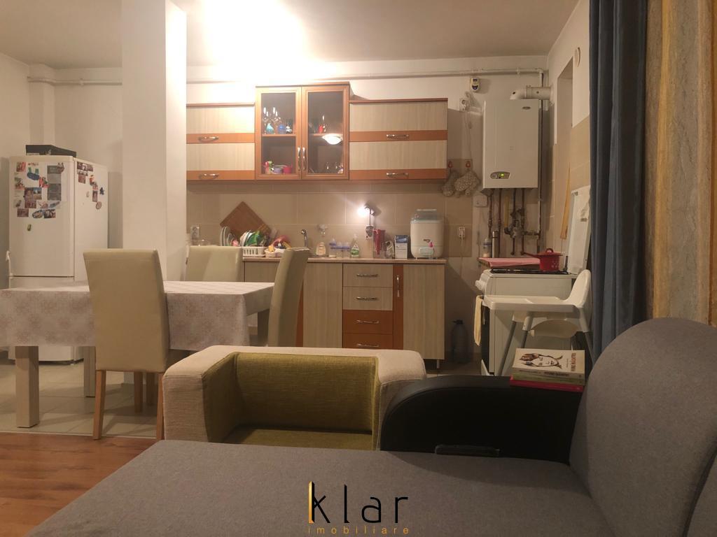 Apartament de vanzare 60 mp + balcon de 10 mp in zona Terra!
