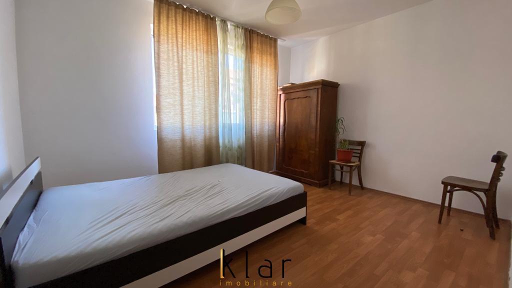 Apartament 2 camere, partial mobilat, loc de parcare, zona Florilor