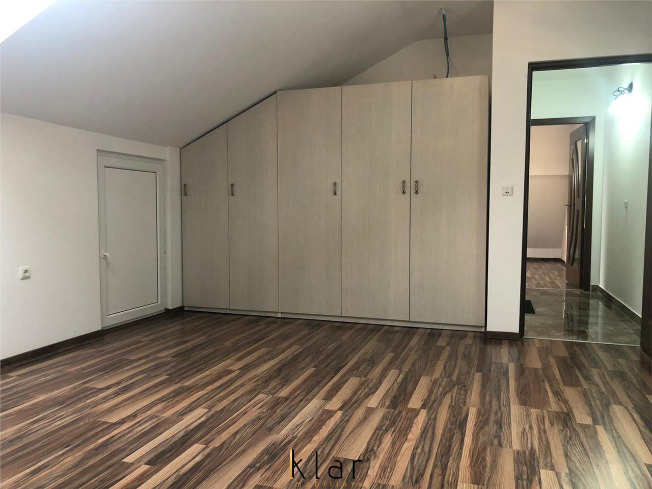 De vanzare un apartament pe 2 nivele int-o zona de case panorama  frumoasa!