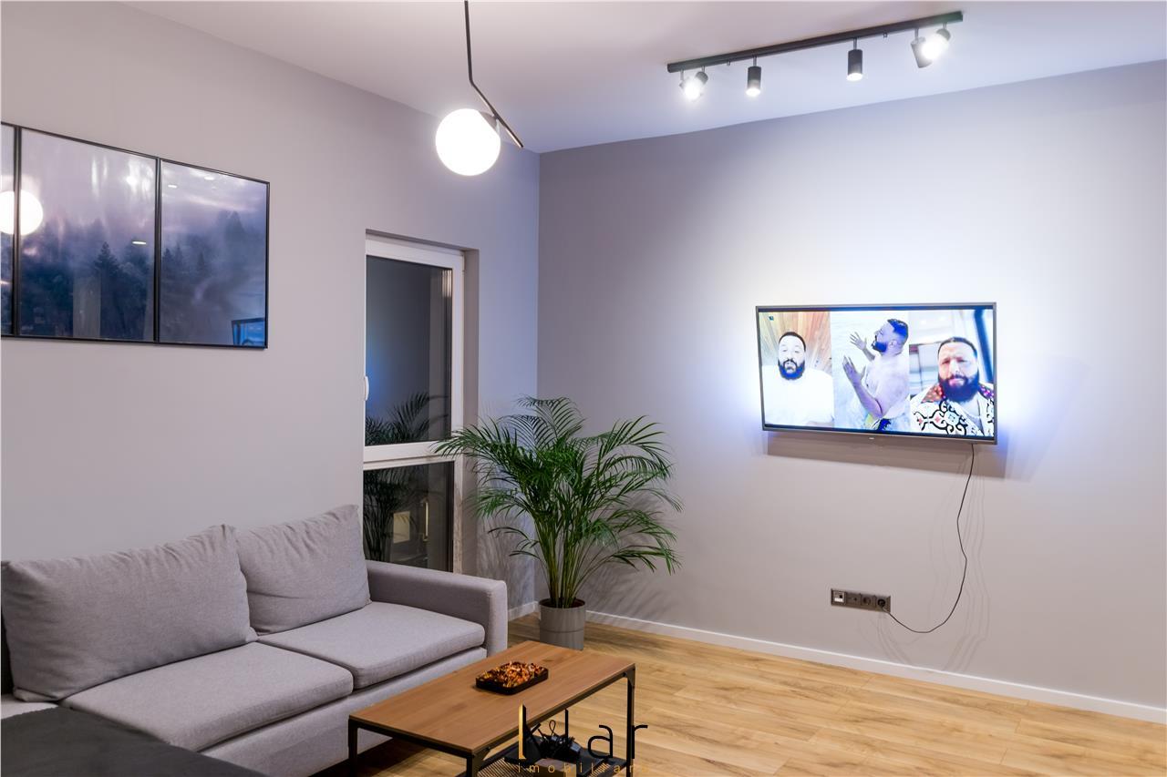 Apartament 2 camere, modern mobilat si utilat, loc de parcare, zona Catanelor!