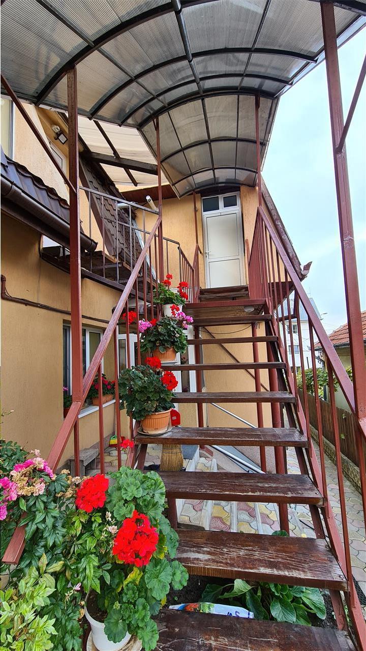 Inchiriere Apartament 1 camera 50mp la casa Zorilor, zona UMF