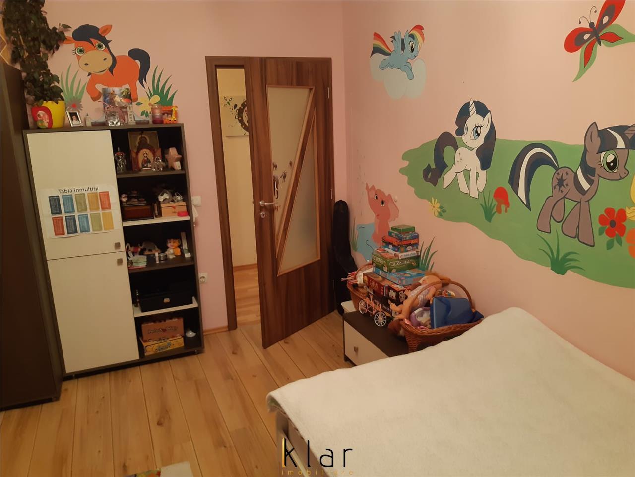 Apartament 2 camere decomandat zona Profi parcare!