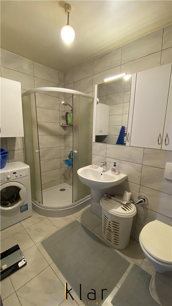Apartament 3 camere, mobilat si utilat, loc de parcare, zona Terra