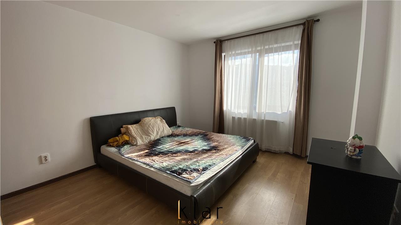 Apartament 3 camere, etaj intermediar, parcare, zona Sesul de Sus