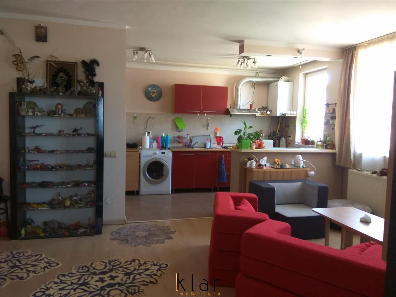 Apartament 2 camere, foarte spatios, zona aerisita!