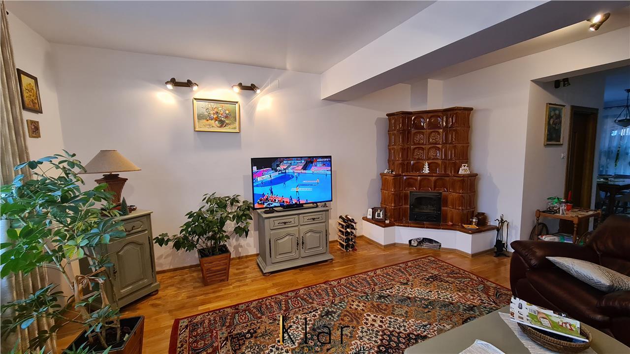 Casa cu 7 camere si gradina care te invita la relaxare