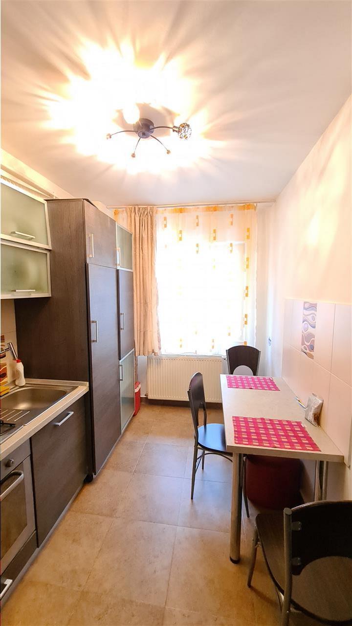 Inchiriere apartament 2 camere, balcon, parcare Manastur, str Edgar Quinet