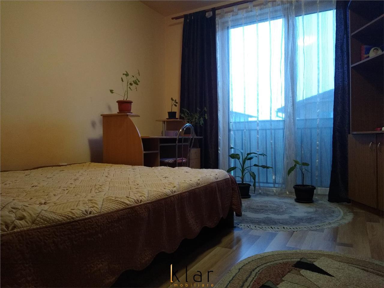 Apartament spatios 3 camere, parcare, zona centrala!