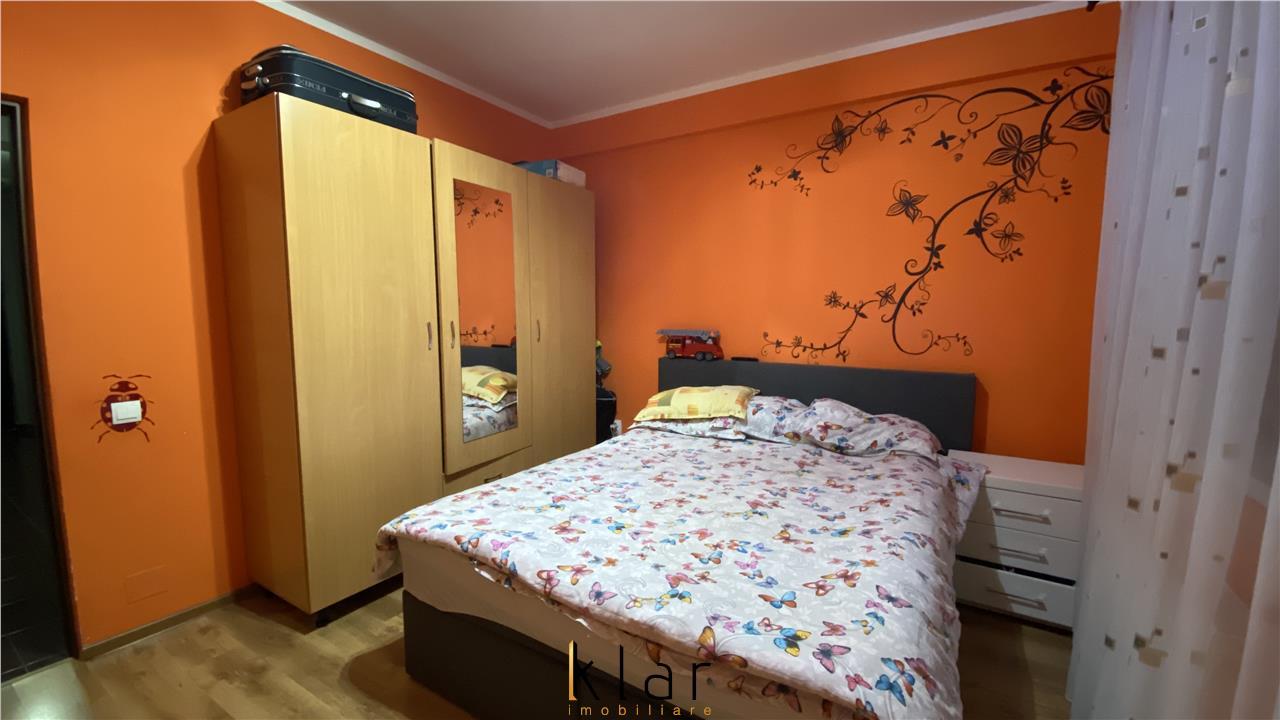 Apartament 3 camere, parcare, Sub Cetate