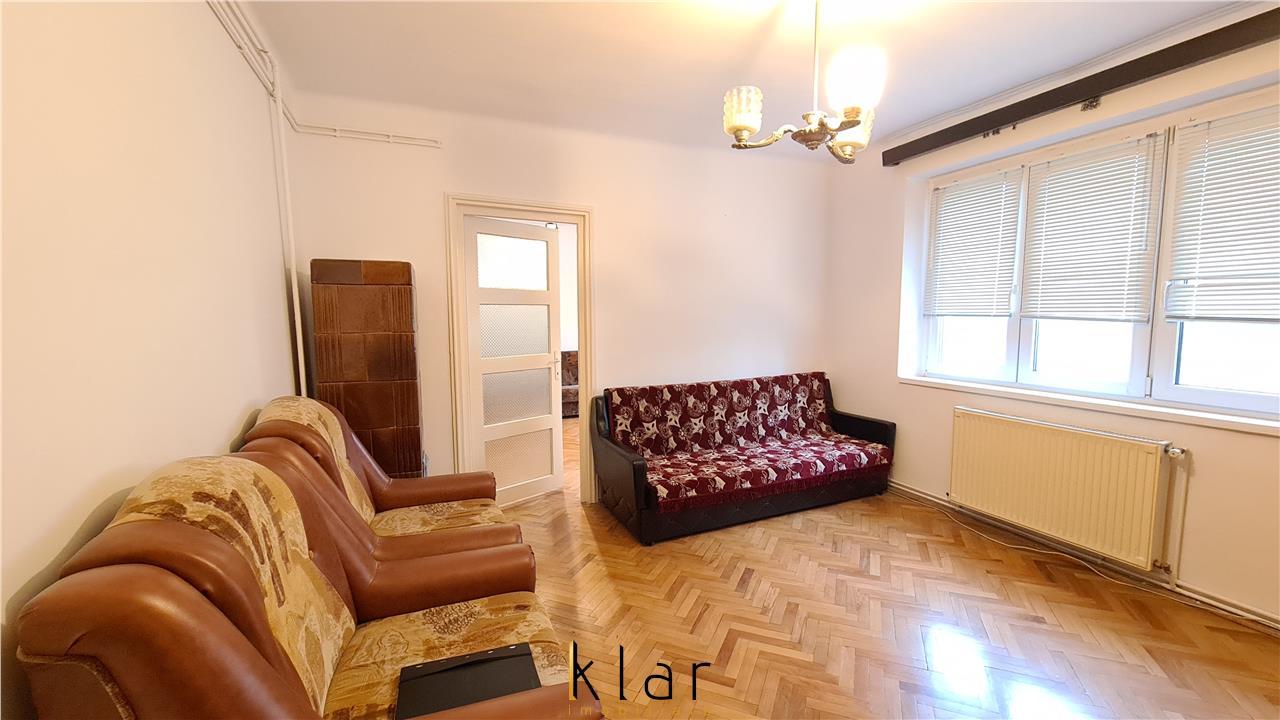 Inchiriere apartament 2 camere 50mp,balcon inchis, Centru, str Paris