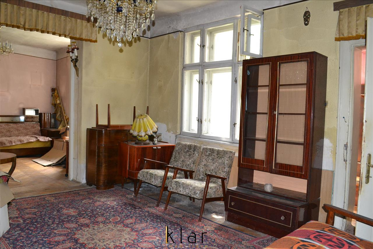 Casa pretabila birou, sediu firma, salon zona centrala magazinul Sora.