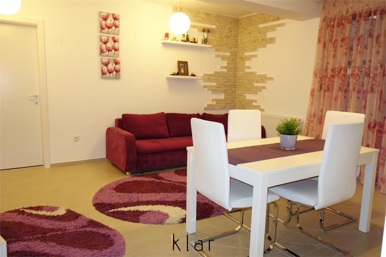 Apartament 3 camere, terasa, garaj, zona Sub Cetate!