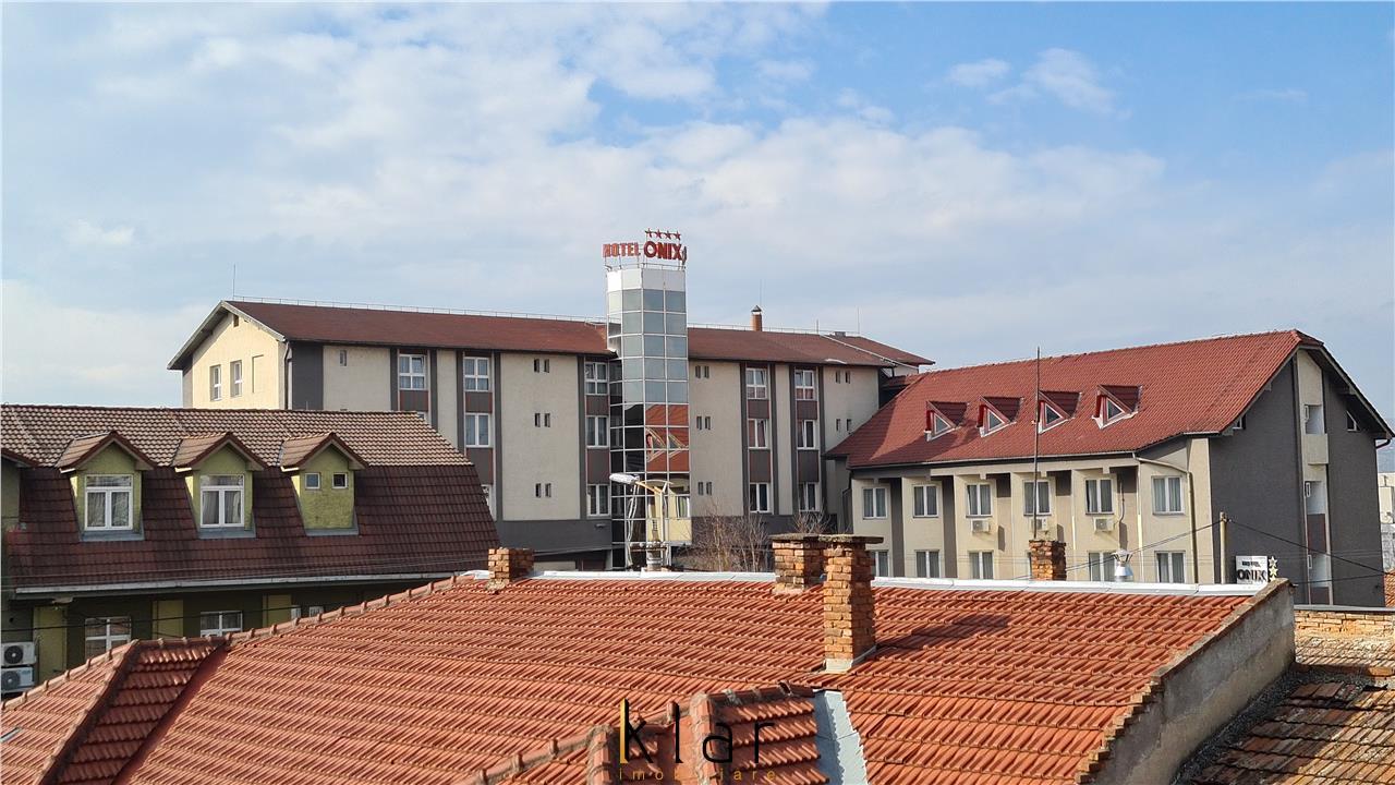 Inchiriere apartament 2 camere 46mp,balcon,Centru,Hotel Onix