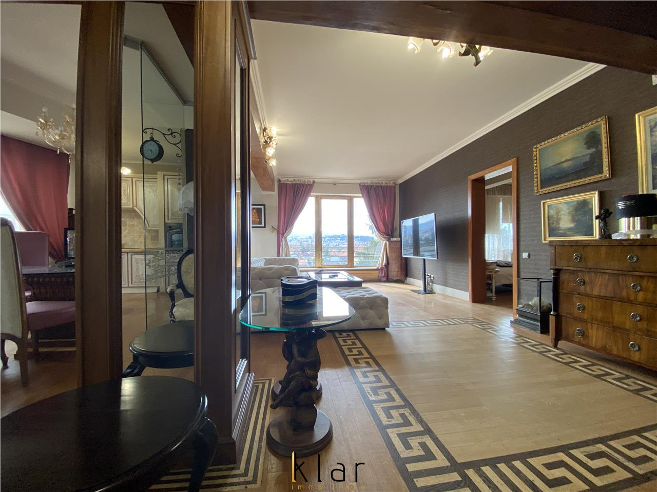 Apartament Lux zona strazii Paris cu panorama spre oras