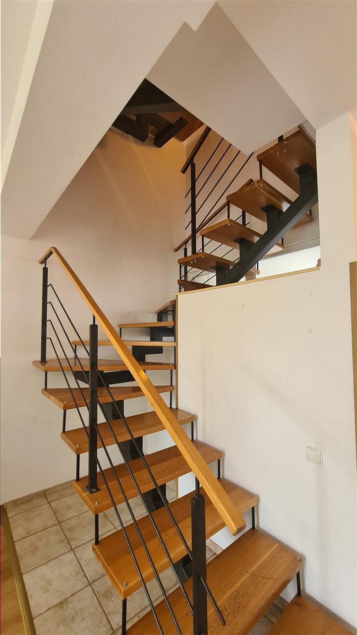 Inchiriere casa 135mp,2 balcoane,gradina,2 parcari, Calea Turzii OMV