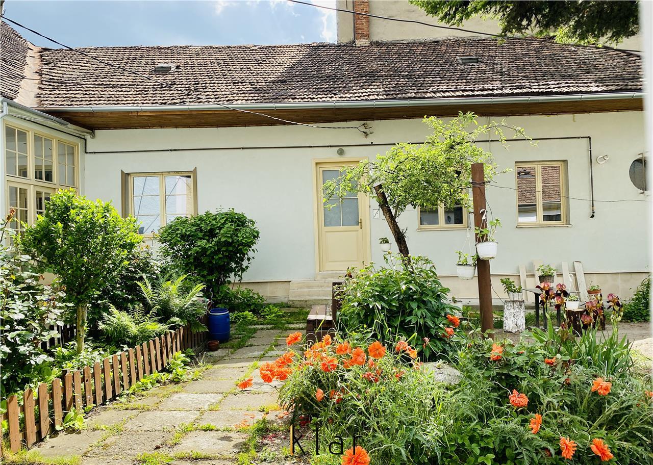 Casa cu Architectura Istorica plus pod(192m2) in zona Centrala
