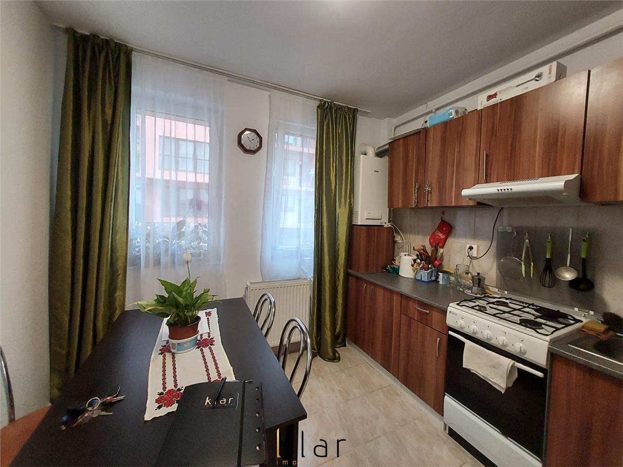 Apartament 2 camere, DECOMANDAT, zona Teilor!