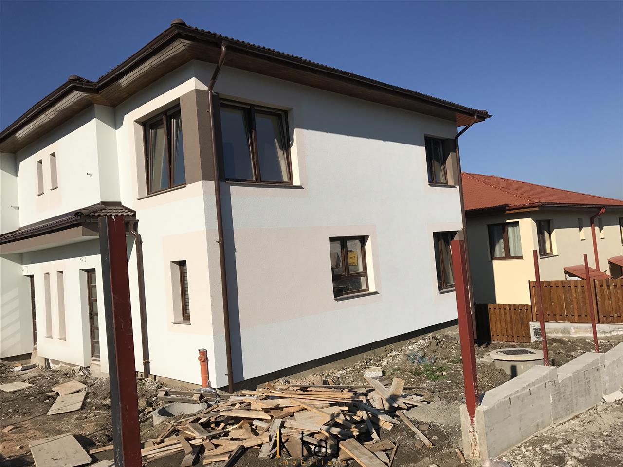 Casa tip duplex cu terasa 26 mp in Borhanci