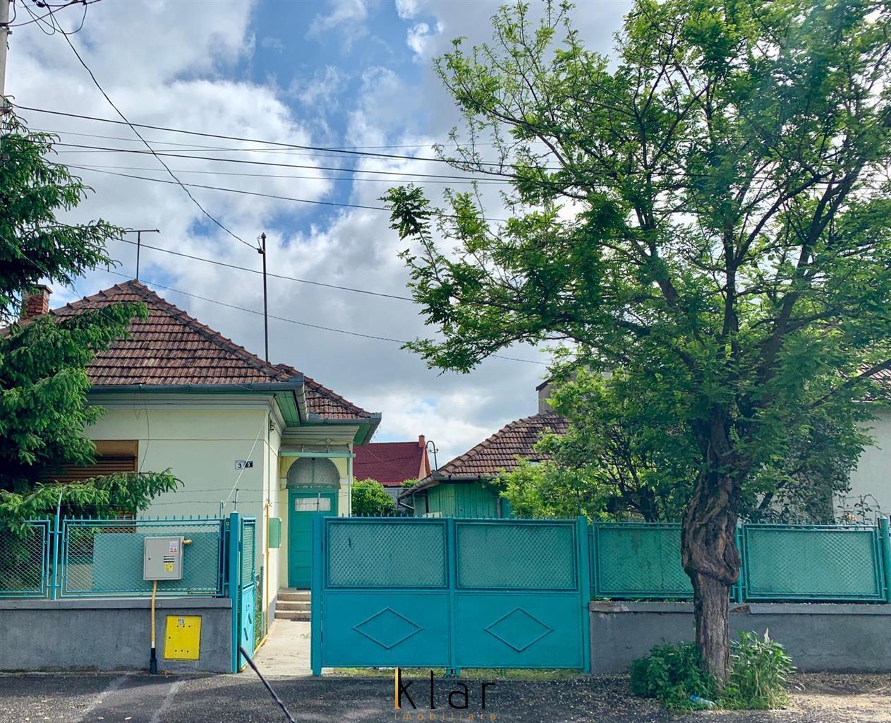 Vanzare Casa Cu Front Generos si Gradina Strada Calan Nr 3