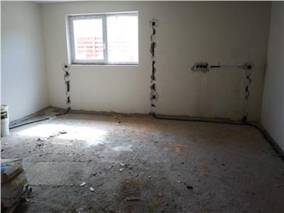 OPORTUNITATE! Apartament 3 camere, zona Teilor!
