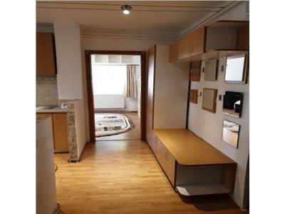 De vanzare apartament 2 camere zona UMF