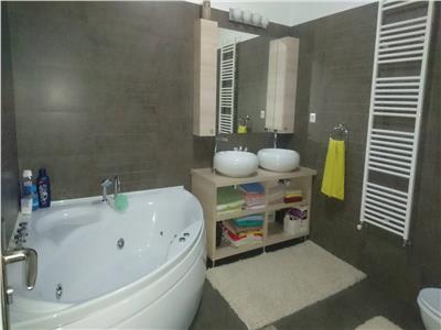 Vanzare Apartament Mobilat si Utilat Bloc Nou  Zona Campului