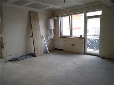 Vanzare apartament 3 camere, Floresti