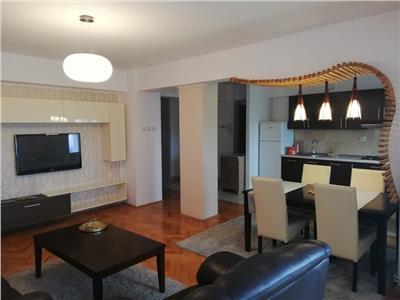 Inchiriere apartament 4 camere, zona  Piata Cipariu.