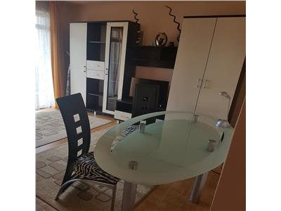 Inchiriere apartament 3 camere in vila
