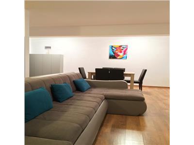 Apartament 3 camere cu gradina, parcare si boxa! Zona Subcetate!
