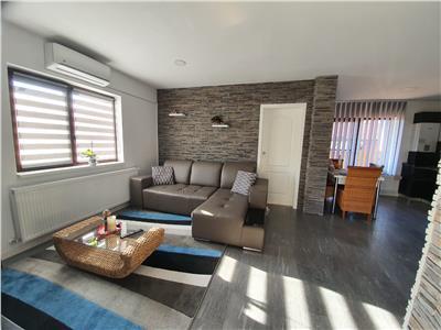 Apartament de vanzare 3 camere zona Sub Cetate!
