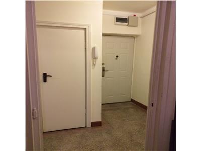 Apartament doua camere ultracentral  pentru birou sau locuinta