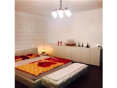 Apartament 3 camere de LUX zona Centrala !!!