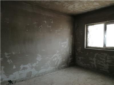 Apartament de vanzare 2 camere, semifinisat  cu gradina!